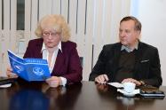 Ühe katuse alt: välis-eesti ja Euroakadeemia